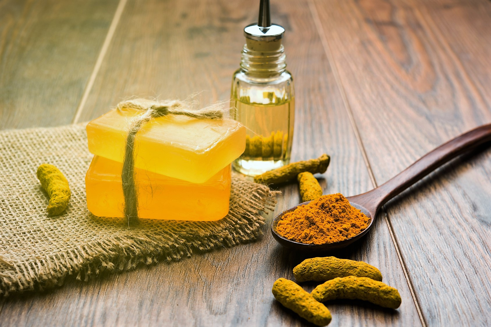 6 Benefits Of Turmeric Essential Oil